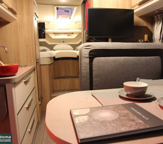 KNAUS SKY TI 650 MEG ACTIVE ROCK TV INTERIEUR 2017.JPG