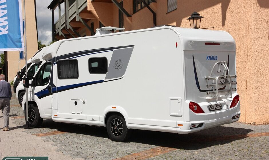 KNAUS SKY TI 650 MF ACTIVE ROYAL 2017 ACHTERKANT.JPG